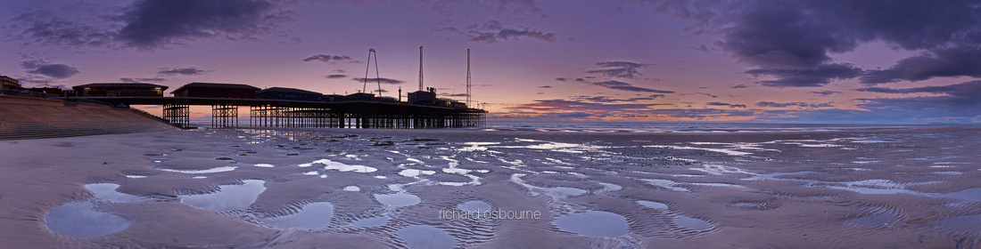 P3S32  South Pier, Blackpool, Lancashire, UK