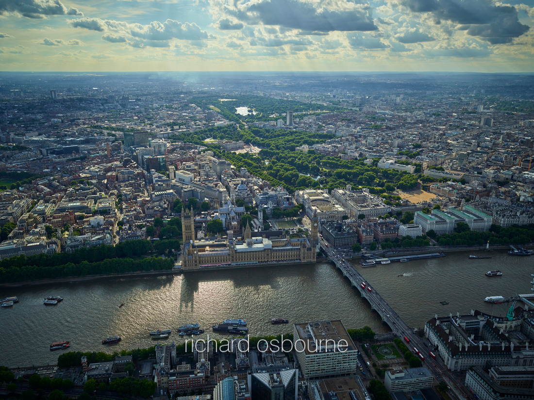 V11C1  Aerial View of Houses of Parliament and The Thames, Westminster, London, UK