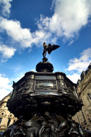 V8C61  Eros Statue, Piccadilly Circus, London, UK