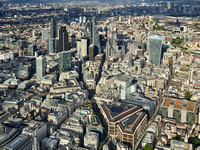 V11F19  Aerial View of The City of London, UK